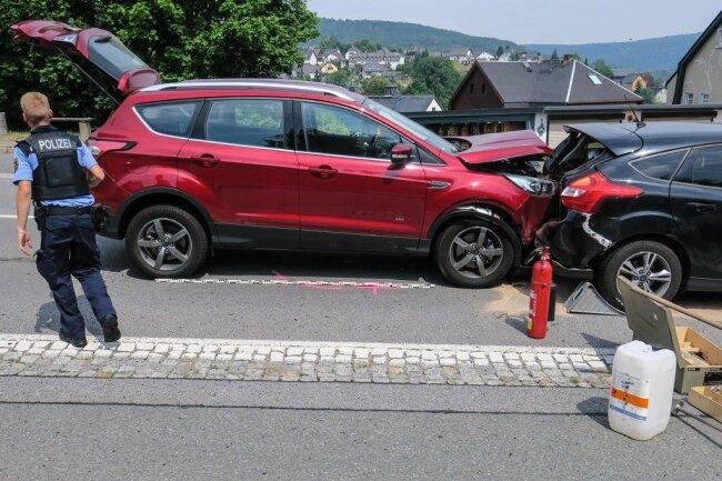 <p>Der Verkehrsunfalldienst ermittelt zum Unfallhergang.</p>