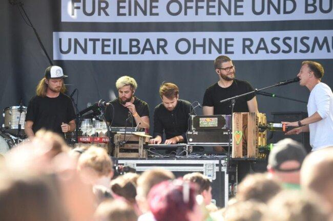 <p>Joris (rechts) begeisterte auf der Hauptbühne.</p>