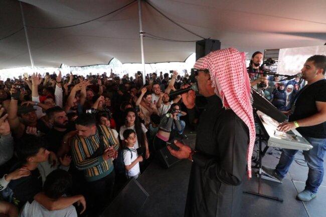 <p>Omar Souleymann begeistert das Publikum.</p>