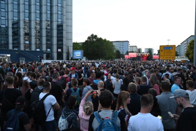 <p>Die Zahl der Besucher bei Grönemeyer: fünfstellig.</p>