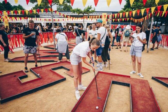 <p>Minigolf für die Spielfreudigen unter den Gästen.</p>