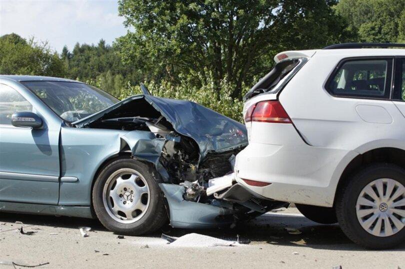 <p>Grund war ein Unfall, der sich nach Angaben der Polizei gegen 15.45 Uhr ereignete.</p>