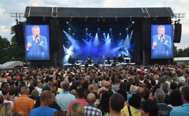 <p>Auch die Stimmung bei Kaiser-Konzerten ist für Schlagerfans ein wichtiger Aspekt, um zu den Auftritten zu gehen.</p>