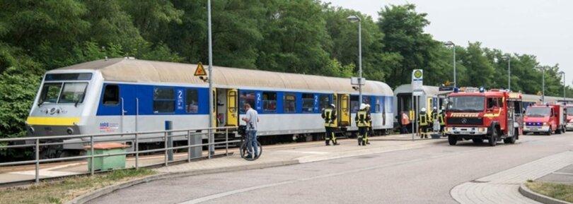 <p>Wie die Mitteldeutsche Regionbahn (MRB) mitteilte, hatte es zwischen neun und zehn Uhr Rauchentwicklung in einer Toilette gegeben.</p>