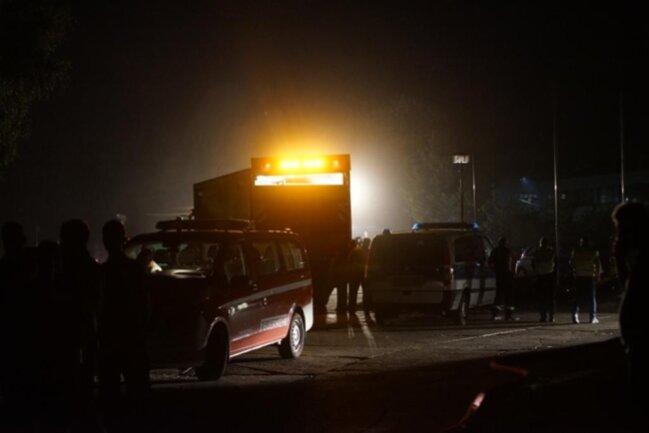 <p>Die Brandursache bleibt offen, jedoch schloss die Polizei vorsätzliche oder fahrlässige Brandstiftung zunächst einmal aus.</p>