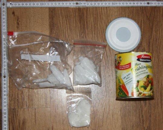 <p>Ein 28-Jähriger kam wegen des Verdachts des organisierten Drogenhandels in Haft.</p>  <p>&nbsp;</p>
