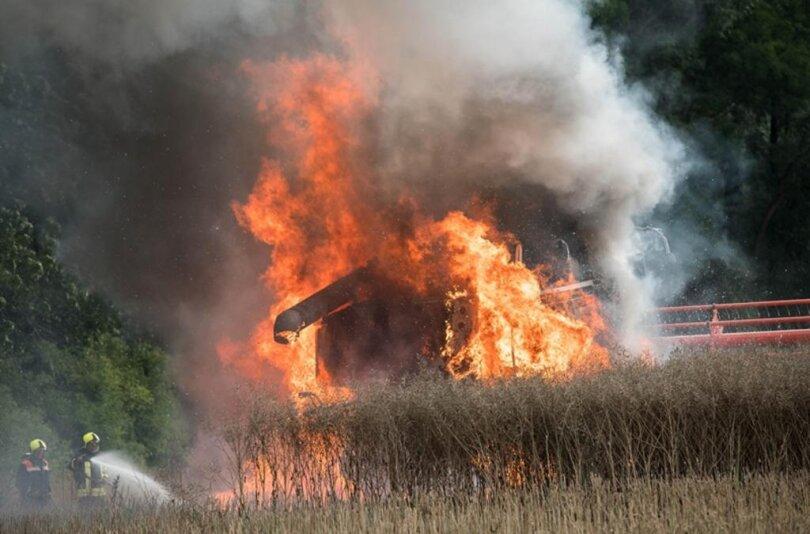<p>Angerückt waren die Feuerwehren aus Geringswalde, Zettlitz, Hermsdorf, Zschaagwitz und Döhlen mit insgesamt etwa 35 Einsatzkräften.</p>