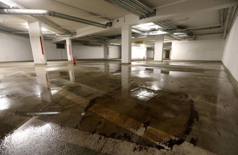 <p>Nach Polizeiangaben beschädigten die Täter Wasserleitungen sowie die Anschlüsse für die Hydranten.</p>