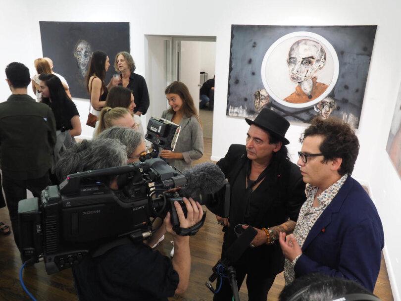 """<p>Der Chemnitzer Jean Schmiedel hat am Donnerstagabend mit seiner Ausstellung """"Kontakt"""" die Herbstsaison der renommierten Georges Bergès Gallery eröffnet.</p>"""