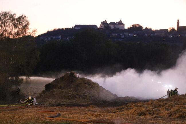 <p>Bis 7 Uhr habe es eine Brandwache gegeben, so der Leubsdorfer Gemeindewehrleiter Falk Berger.&nbsp;</p>