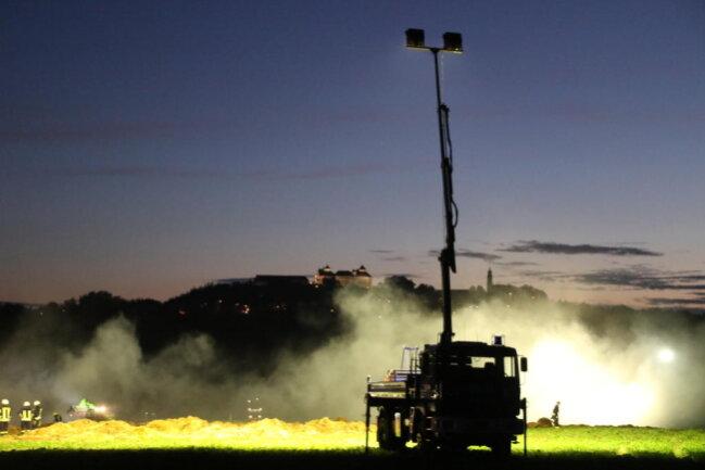 <p>Die Feuerwehren waren von den Landwirten und Experten des Technischen Hilfswerkes unterstützt worden.</p>