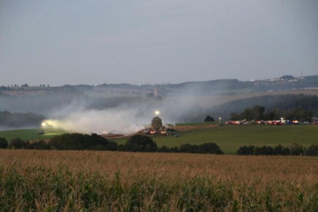 <p>Laut Polizei geht man davon aus, dass sich die Strohballen auf dem Feld der Agro-Produkt Leubsdorf selbst entzündeten.&nbsp;</p>