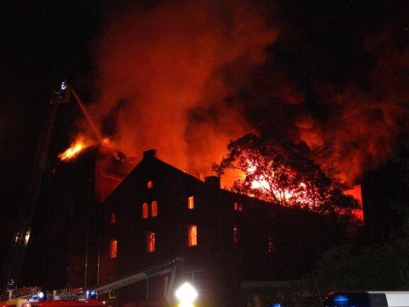 <p>Die Feuerwehr wurde 4.30 Uhr alarmiert.</p>
