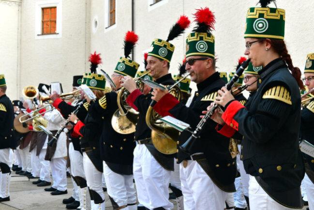 <p>Mit einer Bergparade wurde am Samstag zudem der 250. Geburtstag des berühmtesten Freiberger Studenten, Alexander von Humboldt, gefeiert.</p>