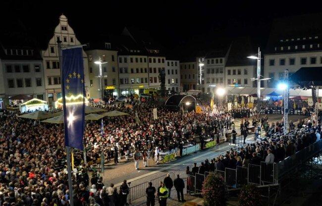 <p>Tausende erlebten die Zeremonie in Freiberg.&nbsp;</p>