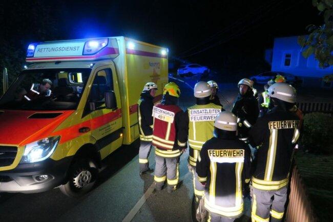 <p>Die Feuerwehr Stützengrün sicherte die Unfallstelle ab. Auch Kräfte aus den Ortsteilen Hundshübel sowie Lichtenau waren vor Ort - insgesamt 30 Personen.</p>