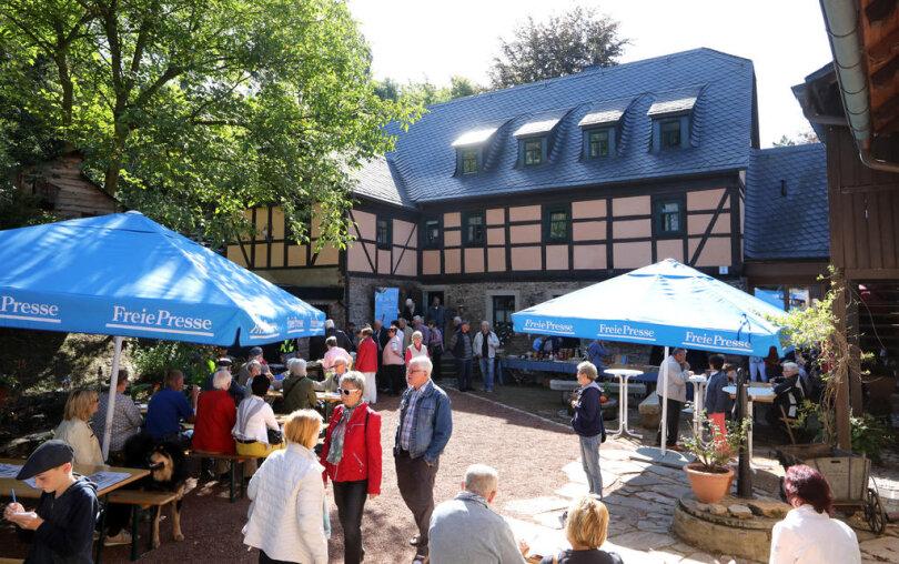 <p>Bei bestem Wetter war die Besichtigung der im 17. Jahrhundert errichteten Mahl- und Schneidemühle möglich. 700 Besucher folgten der Einladung.</p>