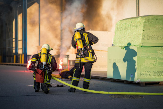 <p>Teil der Übung war das Löschen eines Brandes.</p>