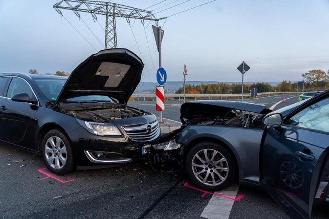 <p>Die Unfallstelle wurde wegen der Unfallaufnahme und Bergung gesperrt.</p>