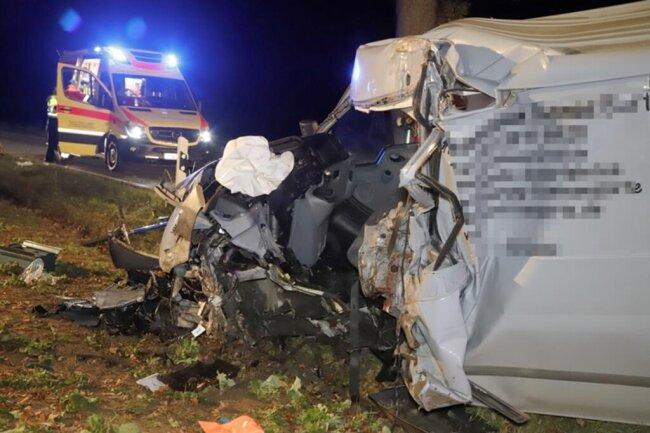 <p>Der Fahrer kam mit schwersten Verletzungen ins Krankenhaus.</p>