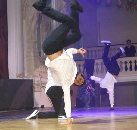 <p>DaRookies verbanden bei ihrer Show eindrucksvoll Break-Dance mit Ballett-Elementen.</p>