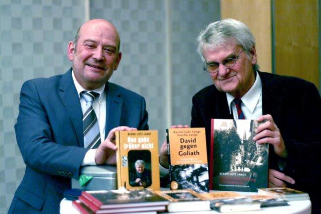 <p>Bernd-Lutz Lange (rechts) mit Berthold Freitag.</p>