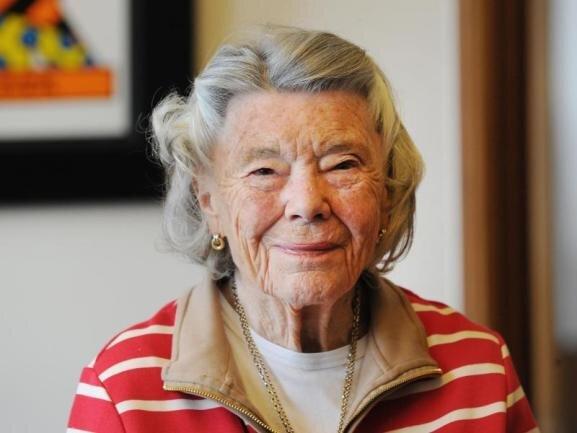 <p>Rosamunde Pilcher wurde in Deutschland vor allem wegen der beliebten Verfilmungen ihrer Liebesromane bekannt. Die britische Schriftstellerin ist am 6. Februar im Alter von 94 Jahren gestorben.</p>