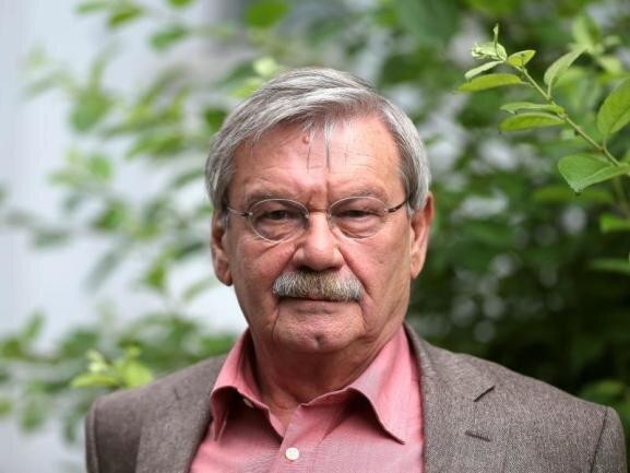 <p>Zusammen mit seinem Kollegen Jaecki Schwarz ermittelte Wolfgang Winkler 17 Jahre im Polizeiruf 110. Anfang Dezember starb der Schauspieler im Alter von 76 Jahren.</p>