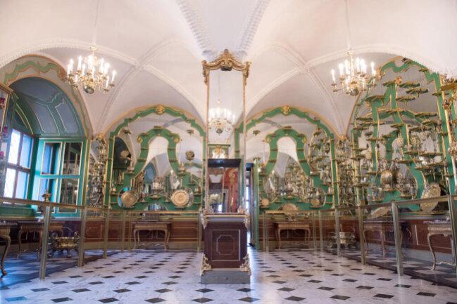 <p>Allein die Sammlung im Historischen Grünen Gewölbe umfasst ungefähr 3000 Exponate.</p>