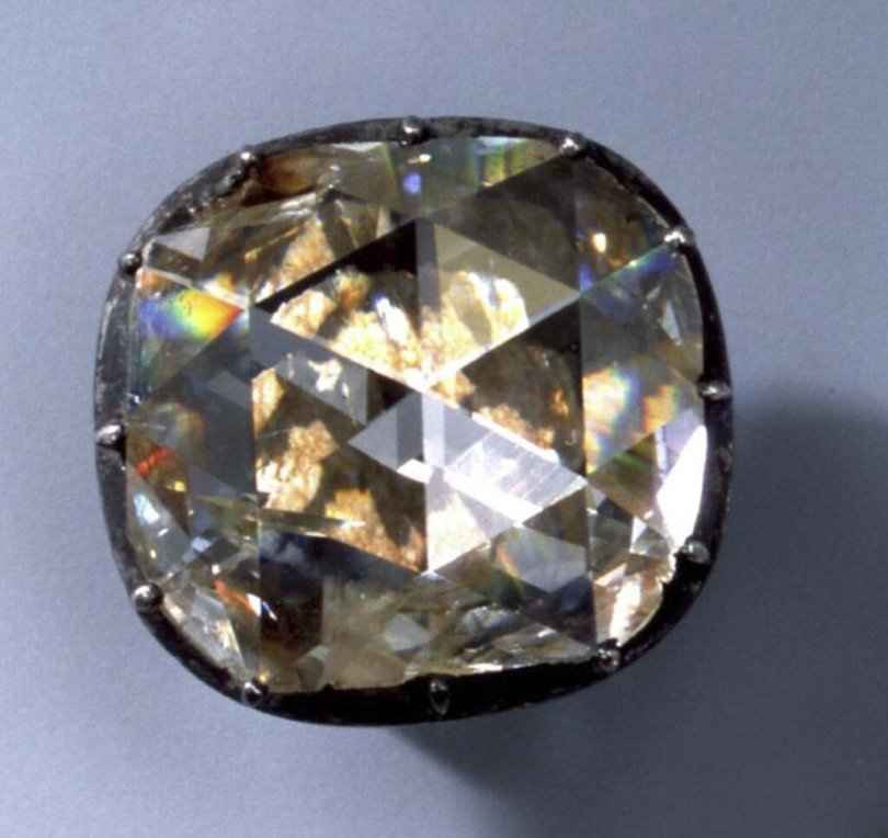 <p>Große Diamantrose (Diamantrosengarnitur)</p>