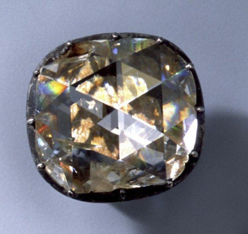 <p>Große Diamantrose (Diamantrosengarnitur)</p>