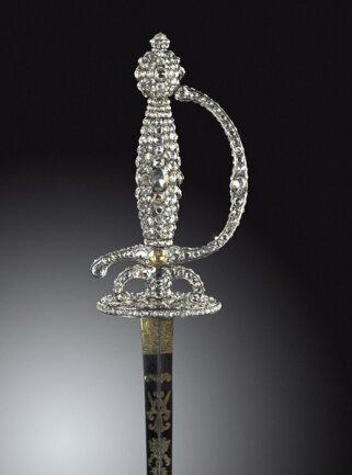 <p>Degen (Diamantrosengarnitur) Christian August und August Gotthelf Globig, Dresden 1782-1789</p>