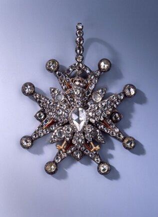<p>Kleinod des Polnischen Weißen Adler-Ordens (Diamantrosengarnitur) Christian August und August Gotthelf Globig, Dresden, 1782-89</p>