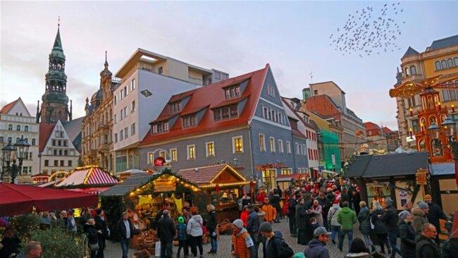 """<p>""""Allerdings sorgte das trockene und milde Wetter wieder für einen der am stärksten besuchten Weihnachtsmärkte seit vielen Jahren"""", so die Kultour Z.</p>"""
