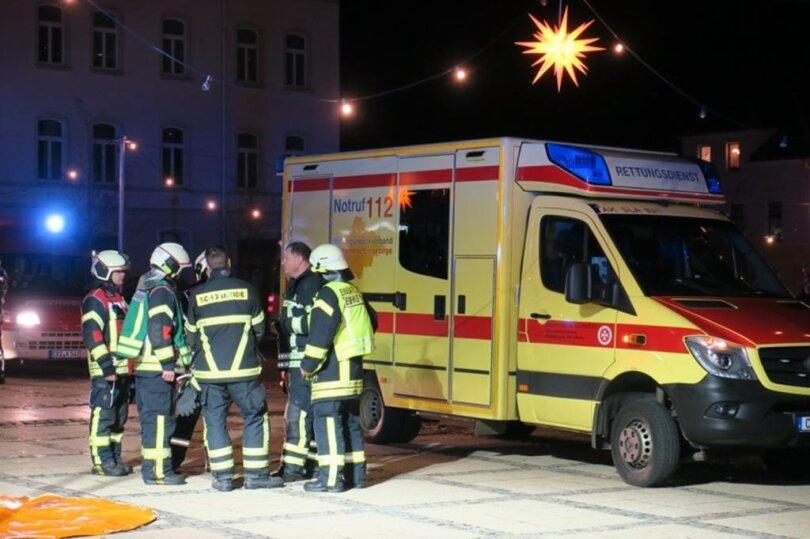<p>Die Rettungskräfte evkuierten das Mehrfamilienhaus an der Straße An der Bergstraße, lüfteten und alarmierten den&nbsp;Gefahrgutzug des Erzgebirgskreises.</p>