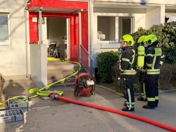 <p>Brandursachenermittler wollen am Donnerstag vor Ort versuchen zu klären, wie es zu dem Feuer gekommen ist.&nbsp;</p>