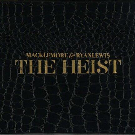 """<p>Macklemore &amp; Ryan Lewis - """"The Heist"""" (2012): Kommerzieller Großraumdisko-Sound? Ja! Trotzdem sprachen Macklemore und Ryan Lewis viele für die letzte Dekade relevante Themen an: Gleichgeschlechtliche Liebe, Drogensucht und die Probleme der Arbeiterschicht spielen eine große Rolle auf der millionenfach verkauften Platte. Kaum ein anderes Album war daher wichtiger für eine differenzierte Außenwahrnehmung des Hip-Hop. (jcl)</p>"""