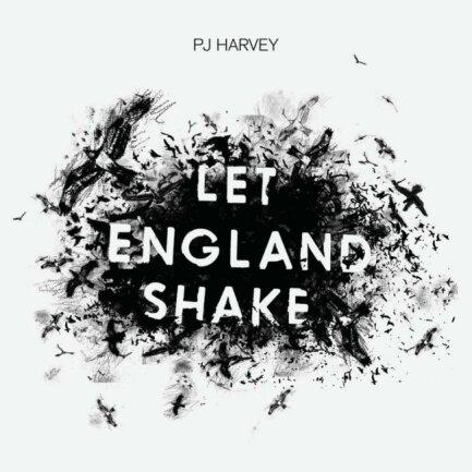 """<p>PJ Harvey - """"Let England Shake"""" (2011): Das Album forderte PJ Harvey und sang darüber, was in ihrem Heimatland und im Rest der Welt alles derbe schiefläuft: Krieg, Terror, Nationalismus und vieles mehr. Der englischen Folkrock-Musikerin gelingt dabei nicht weniger als eine Neuerfindung des Protestsongs. Ein Album, das heute aktueller ist denn je, wie schon der Titelsong zeigt: """"Englands dancing days are over."""" (juls)</p>"""