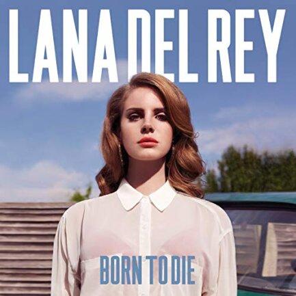 """<p>Lana Del Rey - """"Born To Die"""" (2012):&nbsp;Dieses Album lässt man nicht einfach so nebenbei laufen. Beim Hören dieser Platte sollte man sich vorsichtshalber setzen, denn das Herz wird einem so schwer, dass man kaum noch sicher stehen kann. Lana Del Reys Stimme zieht den Hörer in einen Sog aus Melancholie, Einsamkeit und unglaublicher Coolness. Nie war traurig sein schöner und dramatischer. Und nie war man lieber traurig. (kuni)</p>"""