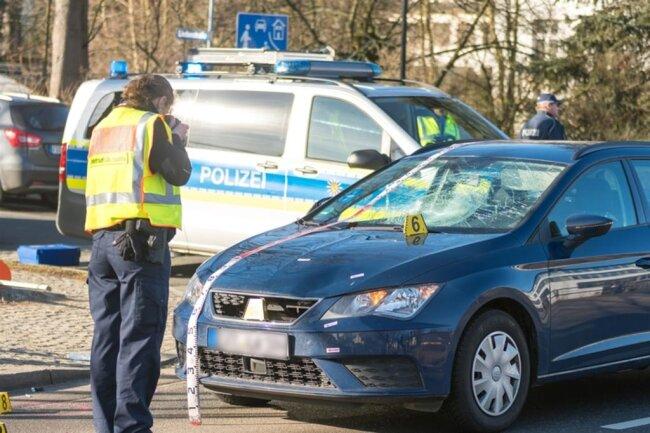 <p>In der Folge ereignete sich dort ein Auffahrunfall mit drei beteiligten Fahrzeugen. Verletzt wurde niemand.</p>