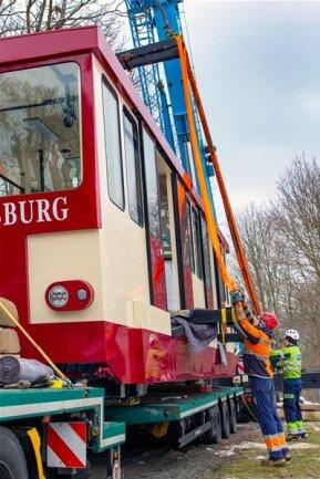 <p>Das Fahrwerk bekamen Eisenbahn-Spezialisten aus der Schweiz überantwortet.</p>