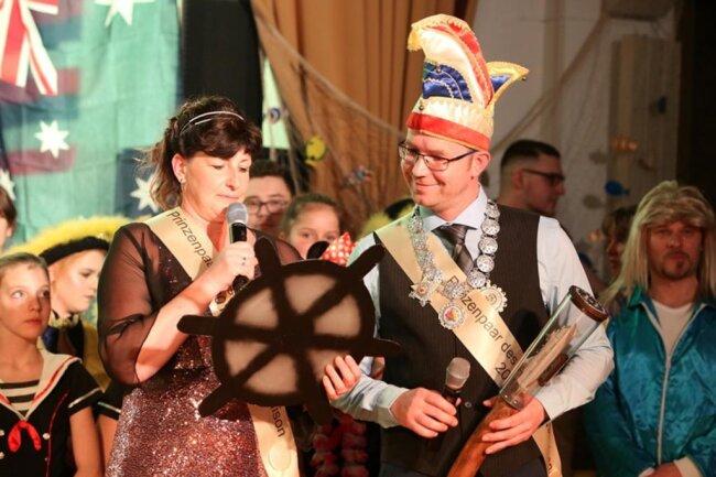 <p>Beim Fasching beim Antonsthaler Carnevalsklub (ACK) im Haus des Gastes in Bermsgrün machte das Prinzenpaar nicht nur in der königlichen Robe eine gute Figur. Die beiden überzeugten auch schauspielerisch immer wieder während des Programms.</p>