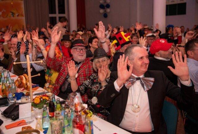 <p>Auch unter den Gästen: Thomas Schmidt, Sachsens Minister für Strukturentwicklung, ländlichen Raum und Bau (rechts).</p>