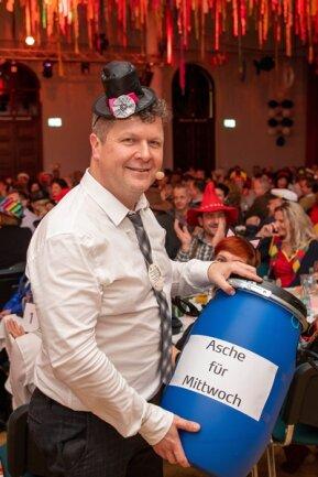 <p>Martin Bergmann sammelte nach seinem Auftritt Geld für die Veranstaltung.</p>