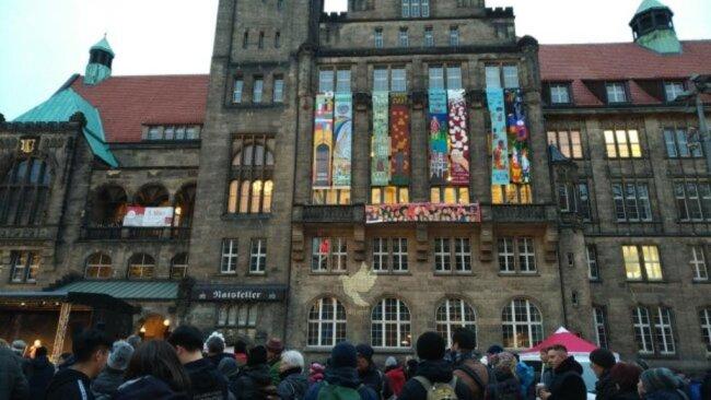 """<p>Veranstaltung zum Chemnitzer Friedenstag unter dem Motto """"Kultur – Sprache – Religion"""" auf dem Neumarkt.</p>"""