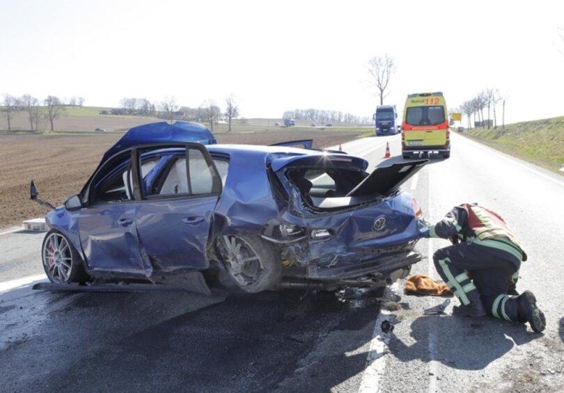 <p>Der 62-Jährige war zwischen Harthau und dem Abzweig Einsiedel von der Fahrbahn abgekommen, nachdem er die Gewalt über sein Fahrzeug verlor.</p>