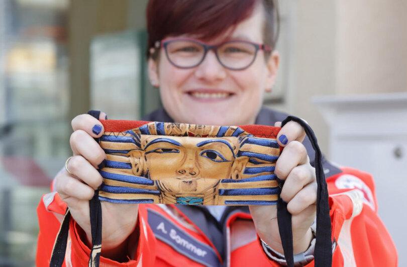 <p>Ein Hauch von Ägypten: Diese Maske zeigt ein Pharaonen-Motiv.</p>
