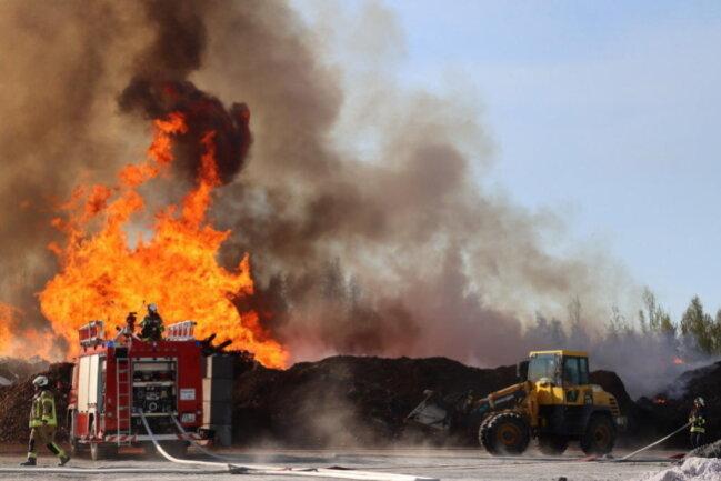<p>Kurz vor 16 Uhr wurden die Feuerwehren der Region zu dem Brand gerufen.</p>