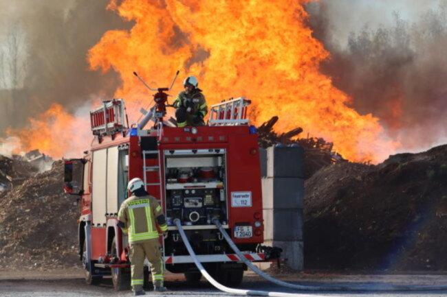 <p>Laut Einsatzleitung der Mühlauer Feuerwehr ist die Ursache noch unklar.</p>