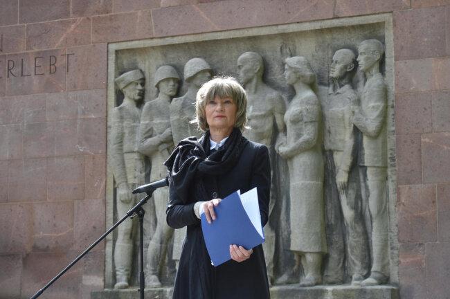 <p>Den 8. Mai 1945 bezeichnete Barbara Ludwig als Verpflichtung zu gemeinsamem verantwortlichen Handeln für Frieden, Demokratie und Respekt vor den Völkern.</p>